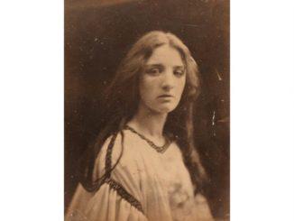 Nan Goldin over Julia Margaret Cameron