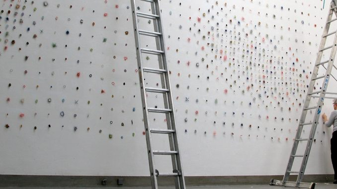 Alex de Vries op atelierbezoek bij Marian Bijlenga